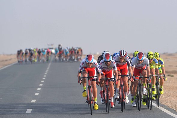 2015 Tour of Qatar stage 5: Echelons